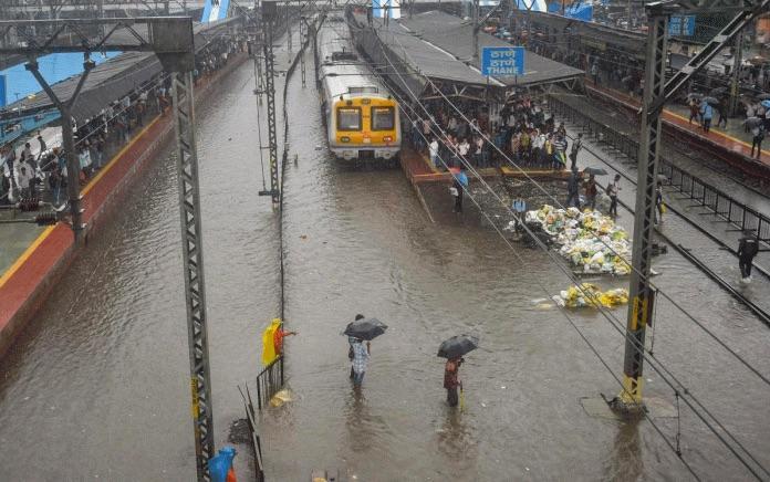 Mumbai Rain : Train Updates