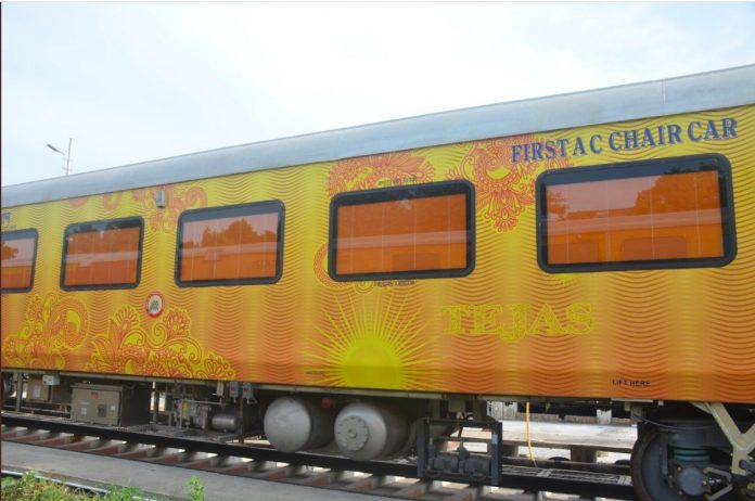 Lucknow – New Delhi - Lucknow IRCTC Tejas Express